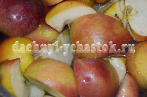яблоки разрезать