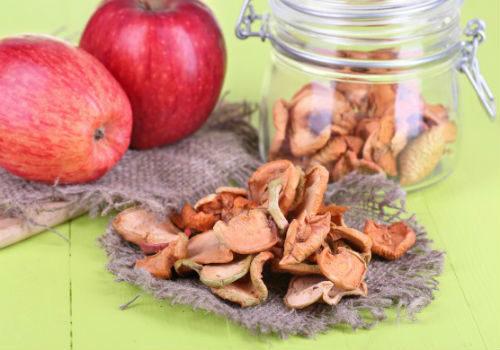 сушеные яблоки и вредители